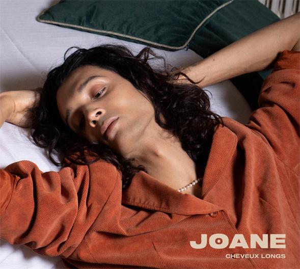 Joane -Cheveux longs